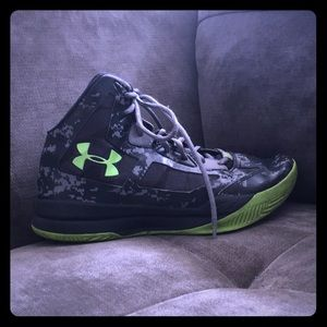 Shoes - Under Armour sneakers